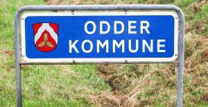 Vejskilt ved kommunegrænsen til Odder Kommune